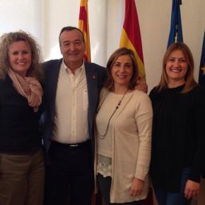 Domingo Lorenzo se reúne con Ciudadanos de Benicàssim y la alcaldesa del municipio para fomentar el turismo anual