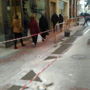 Cs de Burriana critica las obras en la calle más comercial en plena campaña navideña